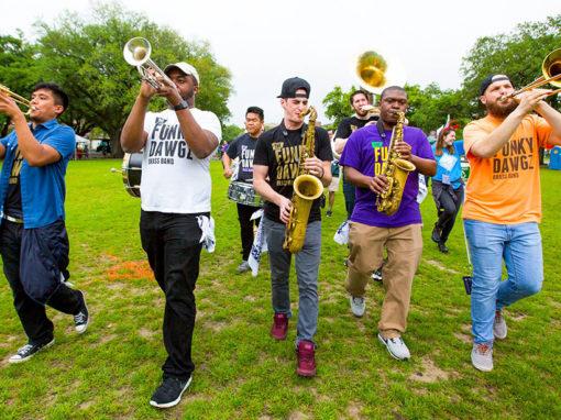 Funky Dawgz Brass Band***